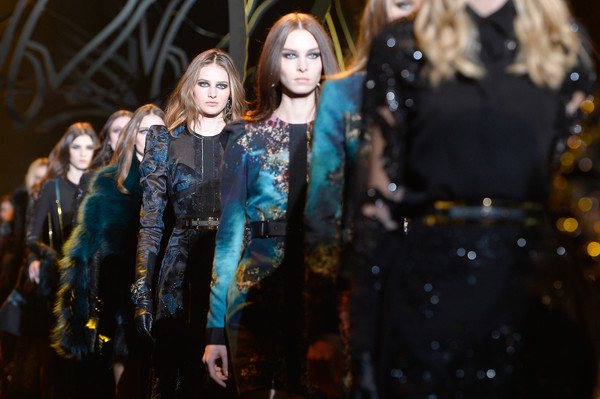 Elie+Saab+Runway+Paris+Fashion+Week+Womenswear+z2uX3JHnXUvl